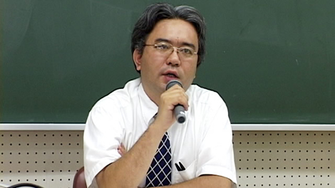 神戸新聞社・社会部の石崎勝伸記者の講演会が開かれました。